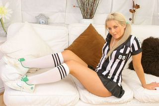 Solely Tease – Willow as an attractive referee