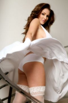 Only Tease - Lucy Pinder